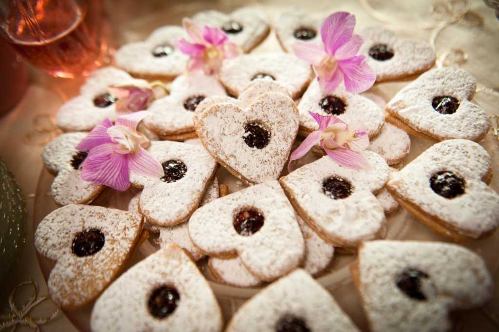 Pictures by Todd Photography Wedding Desserts Too Cute to Eat