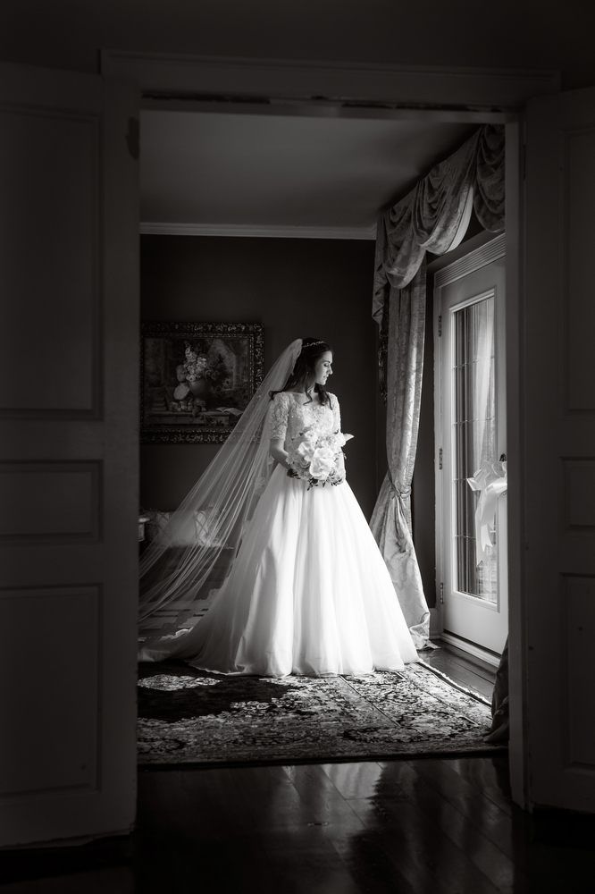 Black-White-Preceremony-Photos-Getting-Ready-Lighting-Moody-Classic
