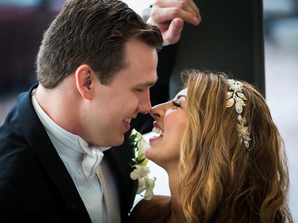 Real-Moments-Bride-Groom-Wedding-Photos-Philadelphia