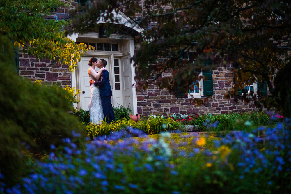 The-Pearl-S.-Buck-House-Wedding-Photography-Beautiful-Outdoor-Setting
