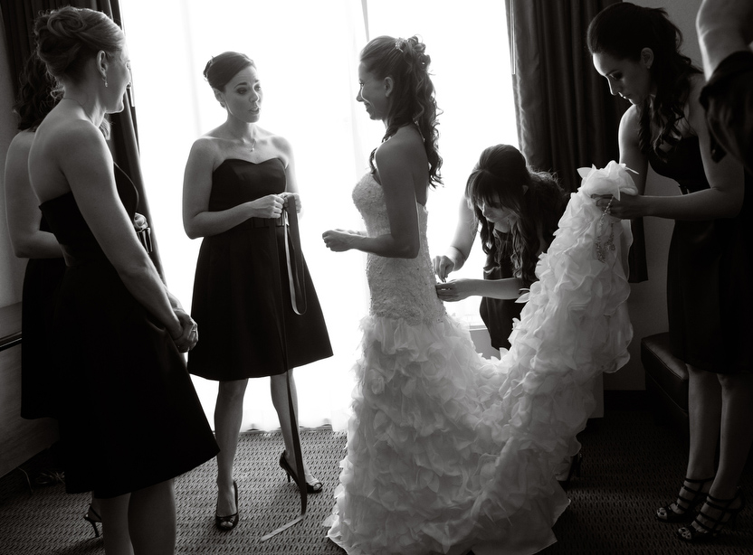 Black-White-Getting-Ready-Bridesmaids