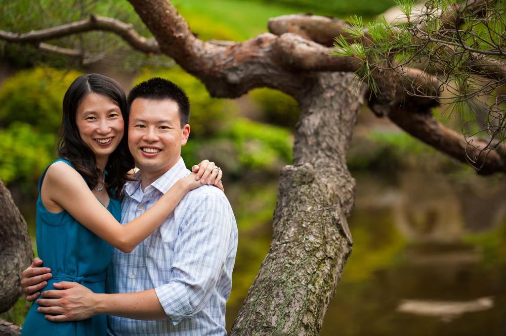 Engagement-Photography-Shofuso-Japanese-Garden-Nautral