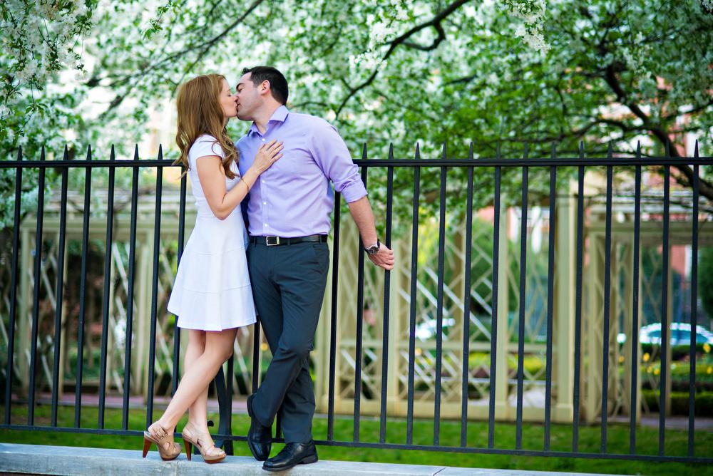 Engagement-Photos-Downtown-Philadelphia
