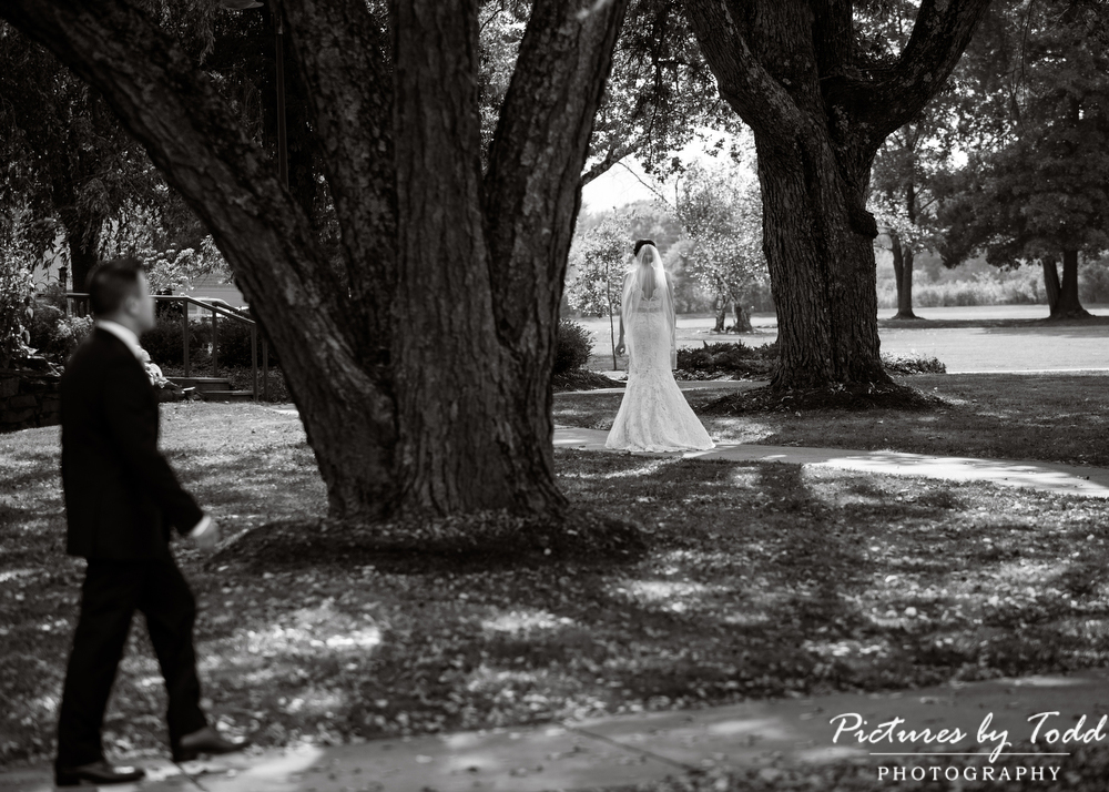 First-Glance-Wedding-Photography-Ideas