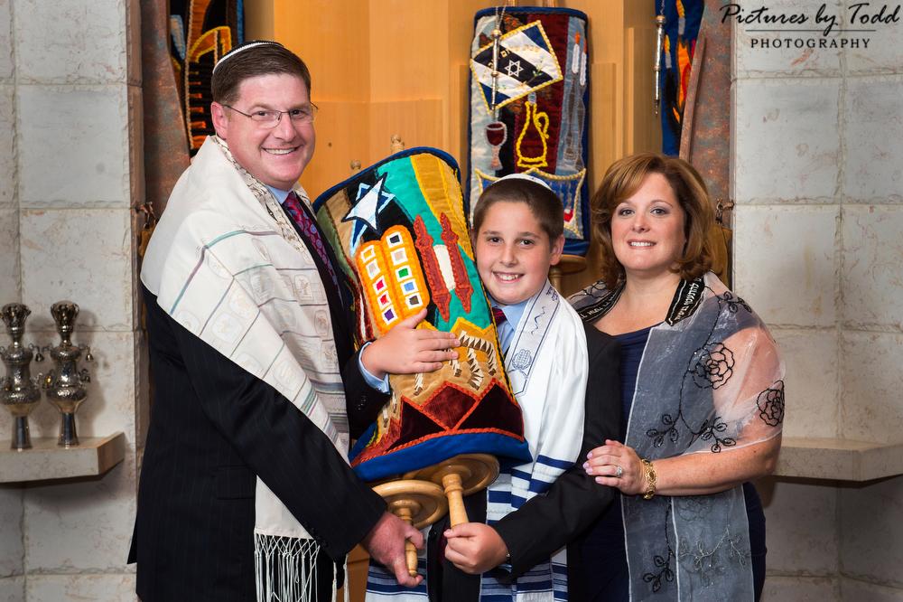 Beth-Tikvah-B'nai-Jeshurun-Mitzvah-Photographer