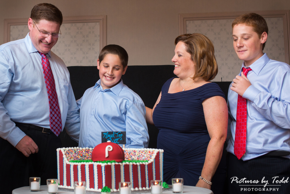 Green-Valley-Country-Club-Bar-Mitzvah-Candle-lighting