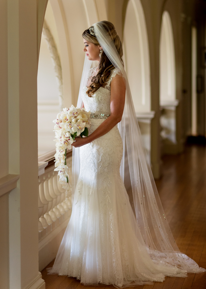 Bridal-Portraits-Monique-Lhuillier-Wedding-Dress