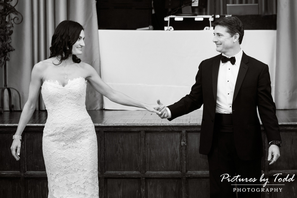 Merion-Tribute-House-Wedding-Photos-Black-White-Moments