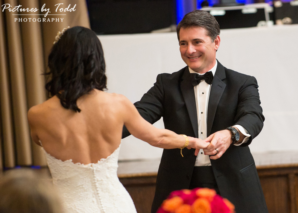 Merion-Tribute-House-Wedding-Photos-First-Dance