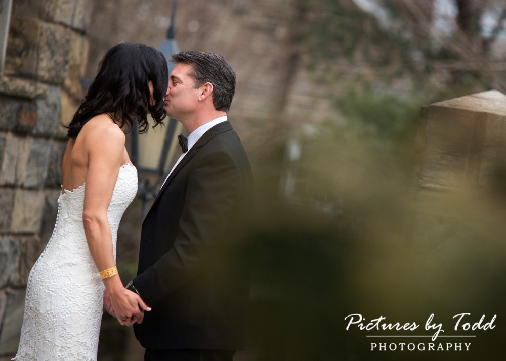 Merion-Tribute-House-Wedding-Photos-Kiss-First-Glance-outdoors