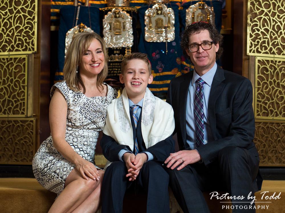 Temple-Beth-Hillel-Beth-El-Portraits-Family-Main-Line-Photographer