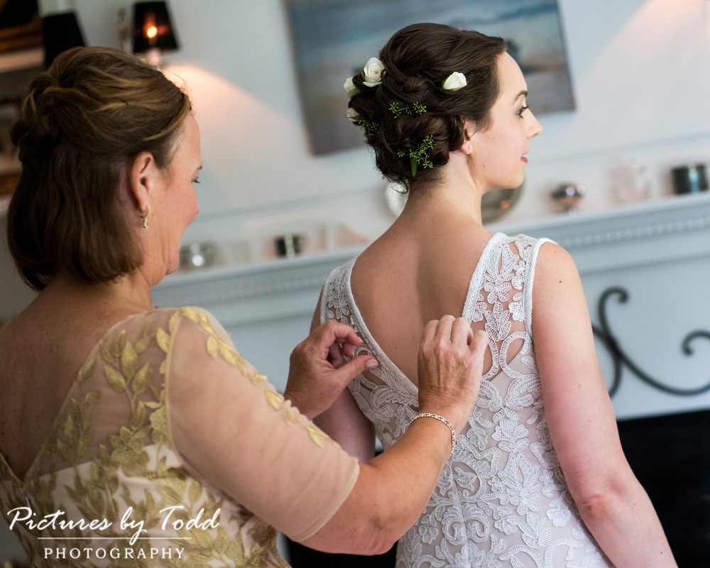 Natural-Beautiful-Wedding-Photography-Beautiful-Blooms-Flowers-Hair