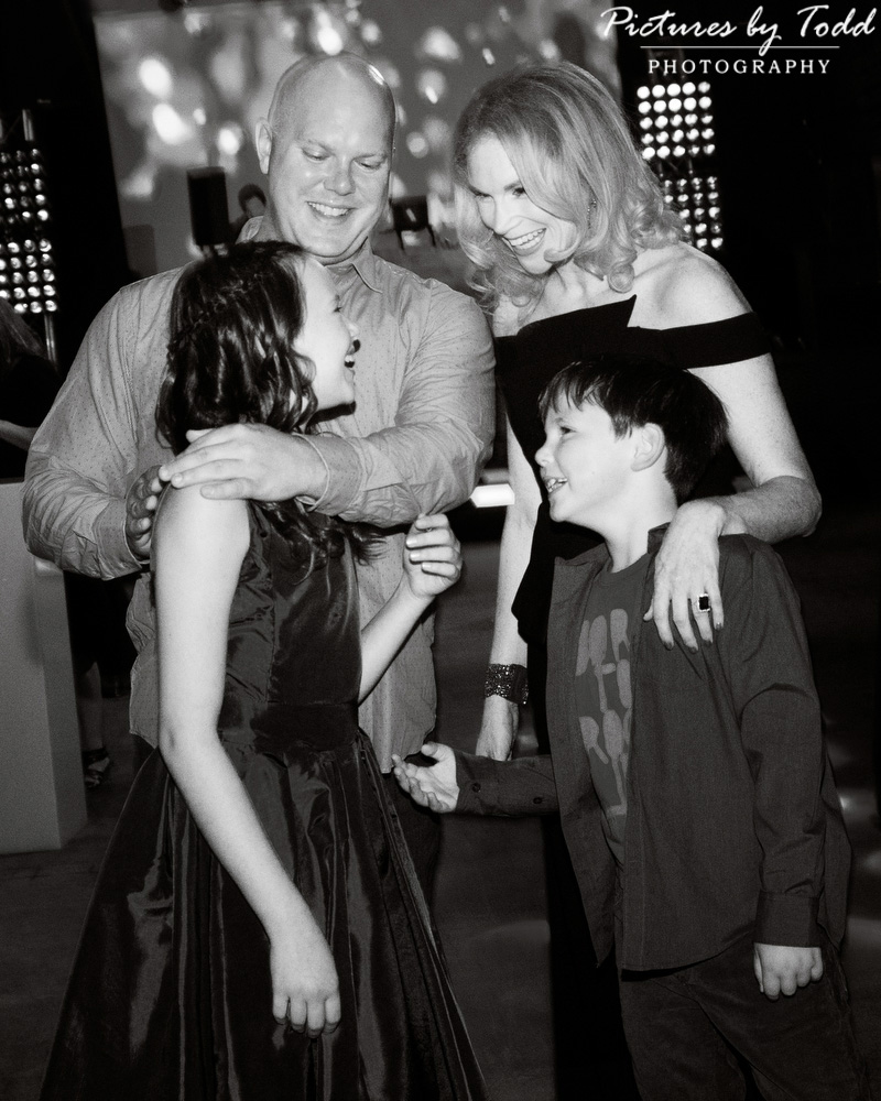 bat-mitzvah-candid-black-and-white-moment-special-laugh-smile-sweet