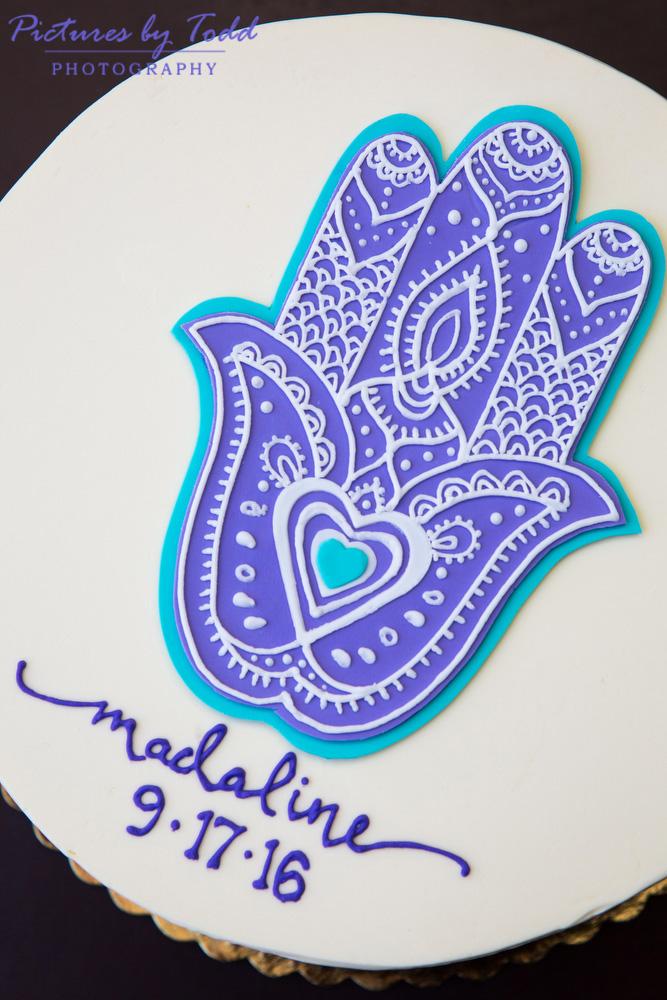 bat-mitzvah-detail-purple-hamsa-cake-decoration