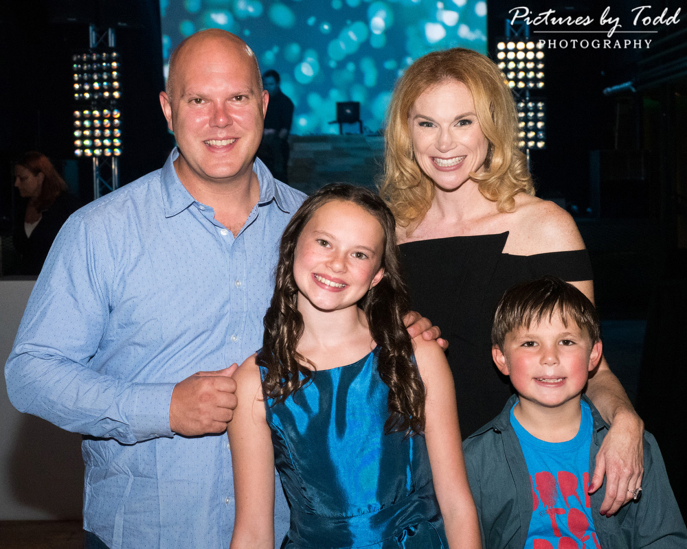 bat-mitzvah-family-coda-together-smile-special