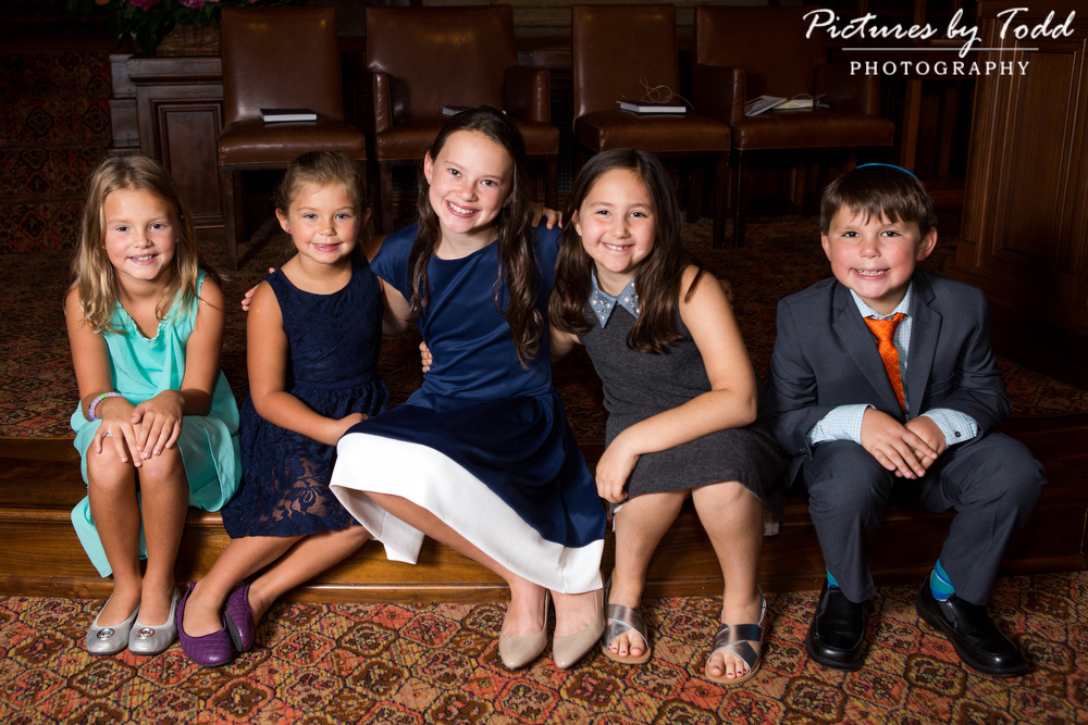 bat-mitzvah-family-moment-smile-together-sweet