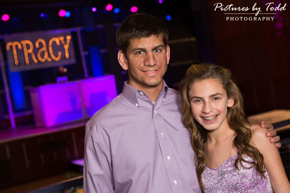 associate-photographer-pictures-by-todd-world-cafe-live-philadelphia-bat-mitzvah-portraits