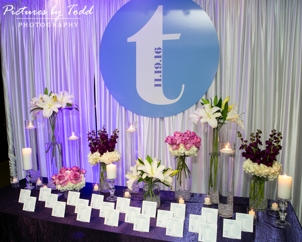 associate-photographer-pictures-by-todd-world-cafe-live-philadelphia-exceptional-events-stacey-kesselman-card-table