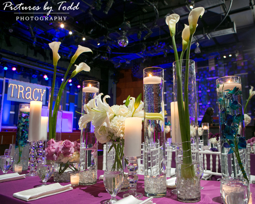 associate-photographer-pictures-by-todd-world-cafe-live-philadelphia-exceptional-events-stacey-kesselman-table-flowers