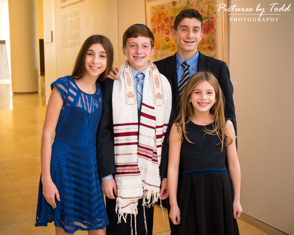 rodeph-salom-bar-mitzvah-special-moment-friends-family