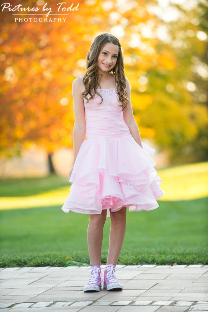 bat-mitsvah-outdoor-portrait-fall-colors-smile