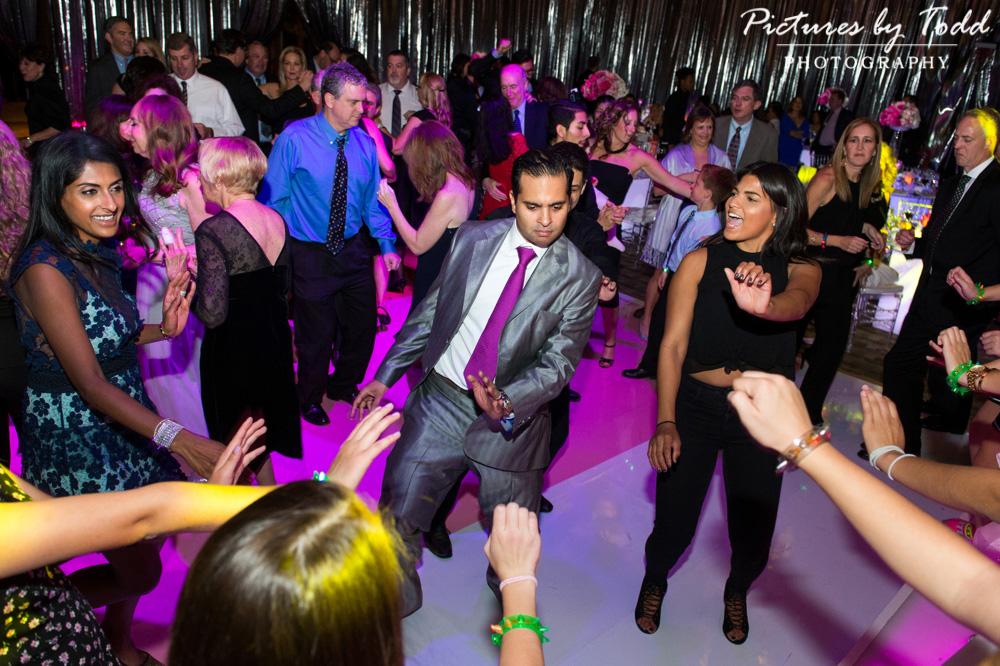 bat-mitzvah-dance-friends-chubb-center-fun