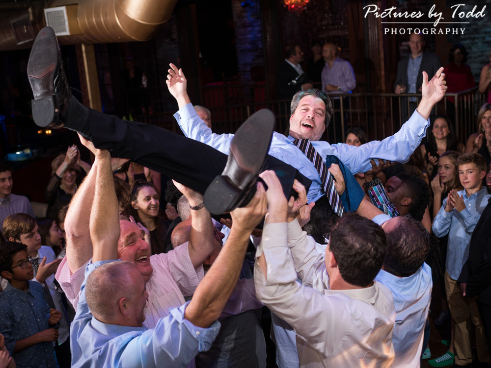 beat-street-manayunk-family-friends-philadelphia-photographer-bar-mitzvah-dance-fun-hora-father