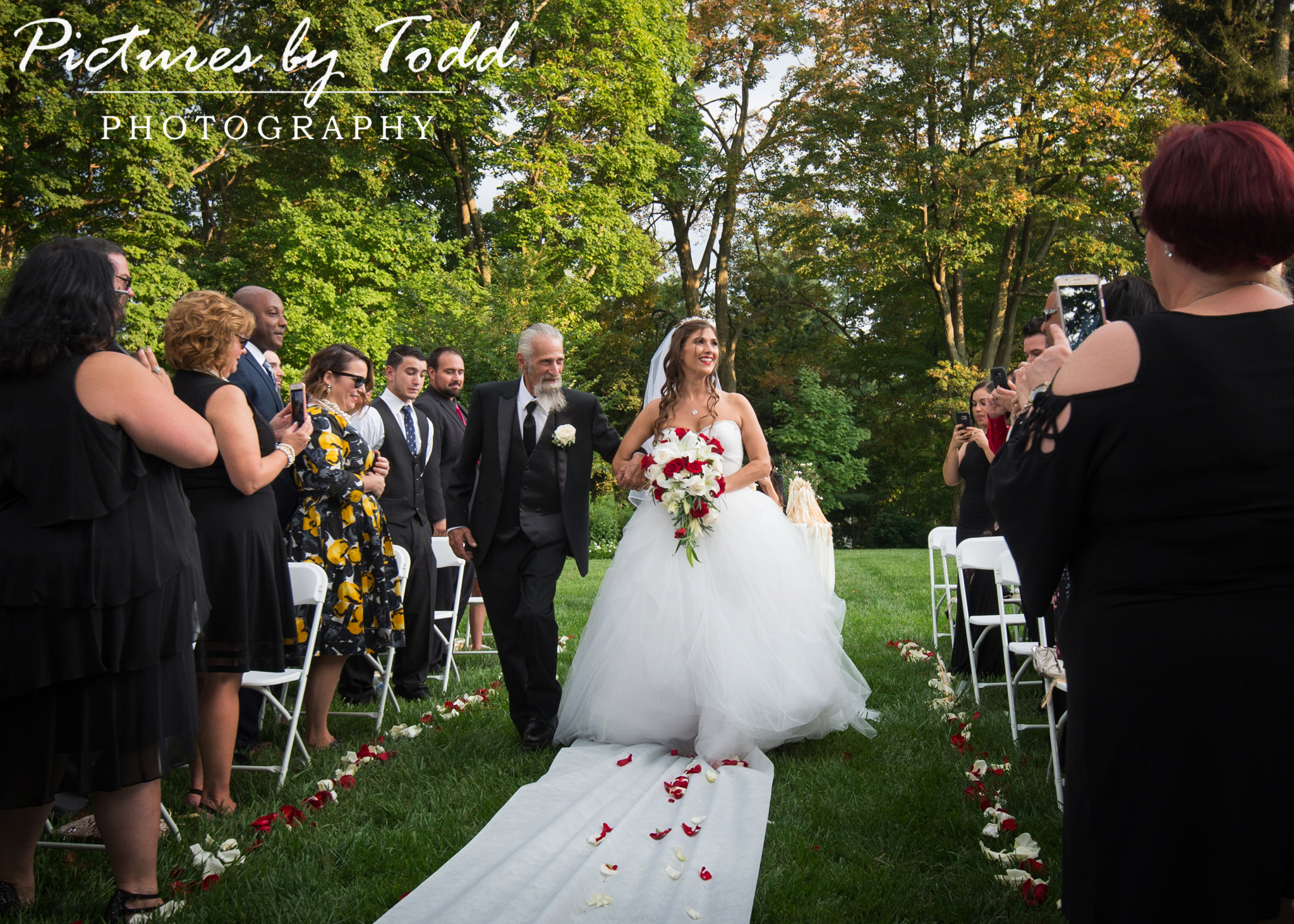 Merion Tribute House Wedding Pictures by Todd, Sunrise Florist, John Serock Catering, Sound EFX, Philadelphia, Merion Pennsylvania