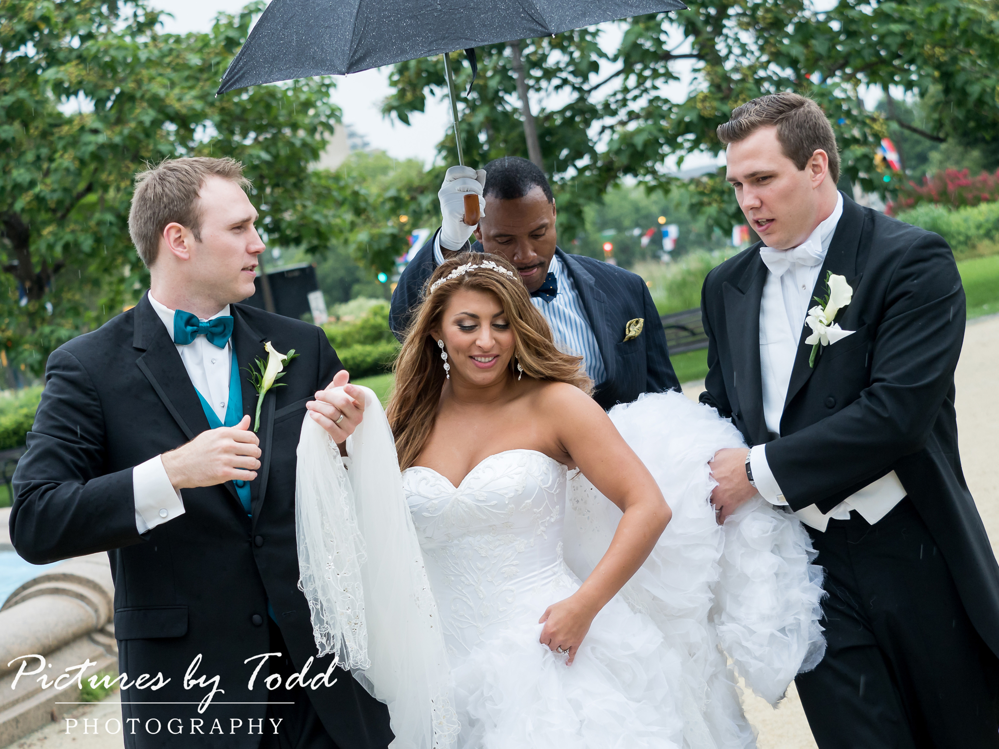 Pictures by todd photography 7 reasons why you want a rainy dont ever be disappointed if it rains check out some of our favorite rainy wedding photos youll be praying for rain on your wedding day junglespirit Choice Image