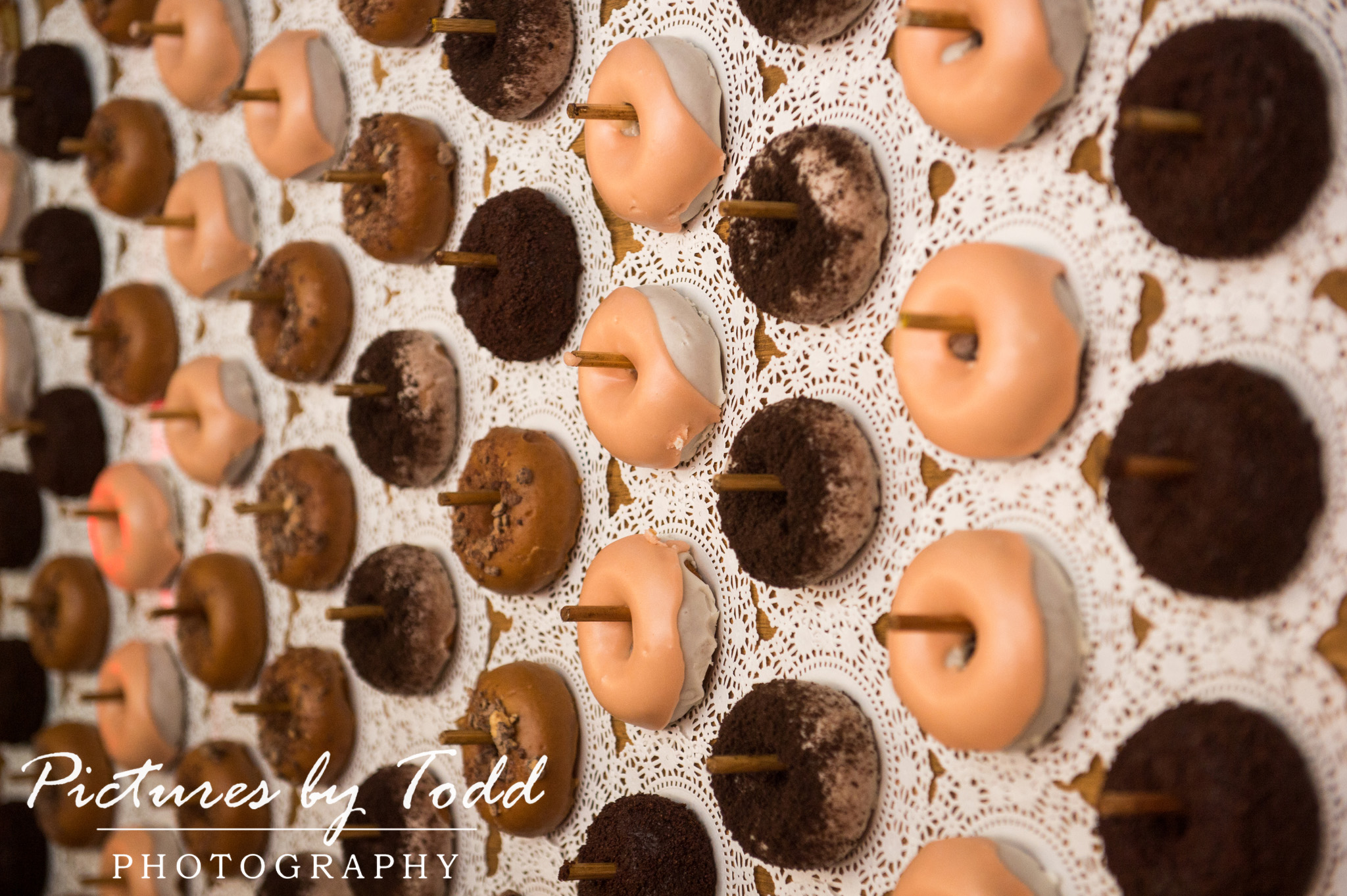 Artesano Gallery Bat Mitzvah Artesano Gallery Philadelphia Event Fx Productions mAll Around entertainment donut wall federal donuts