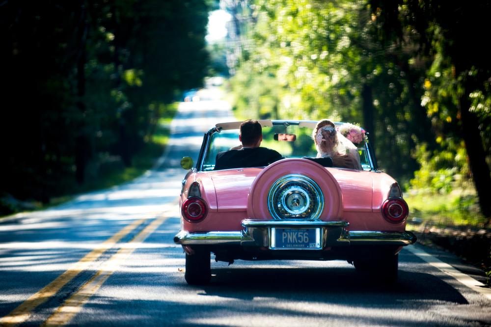 Classic-Vintage-Car-Wedding-Ideas-Fun-Photos-