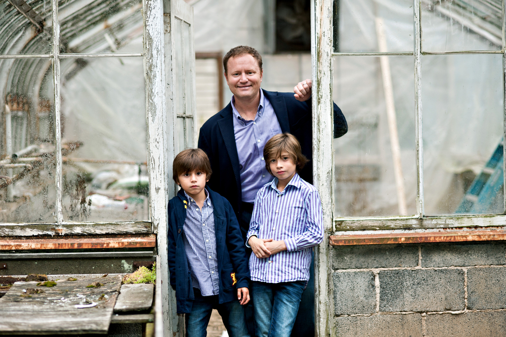 Father-Sons-Family-Photographer