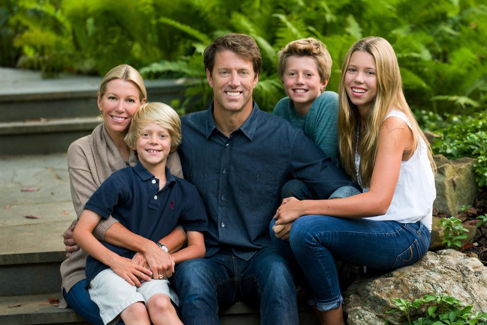 Main-Line-Family-Portraits-Outdoors