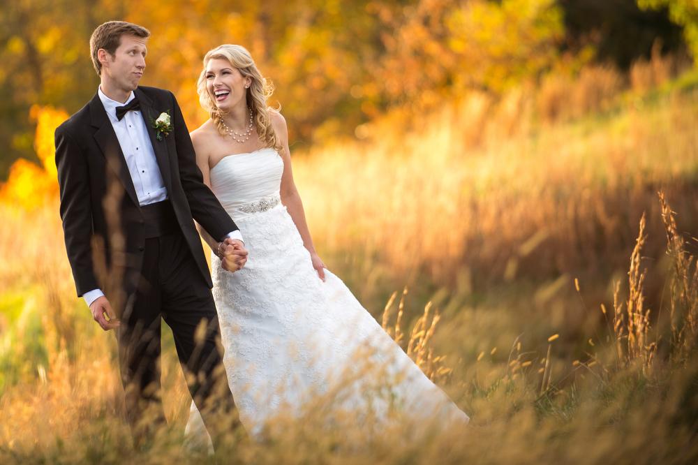 Rivercrest-Out-door-Field-Wedding-Portraits-Nature