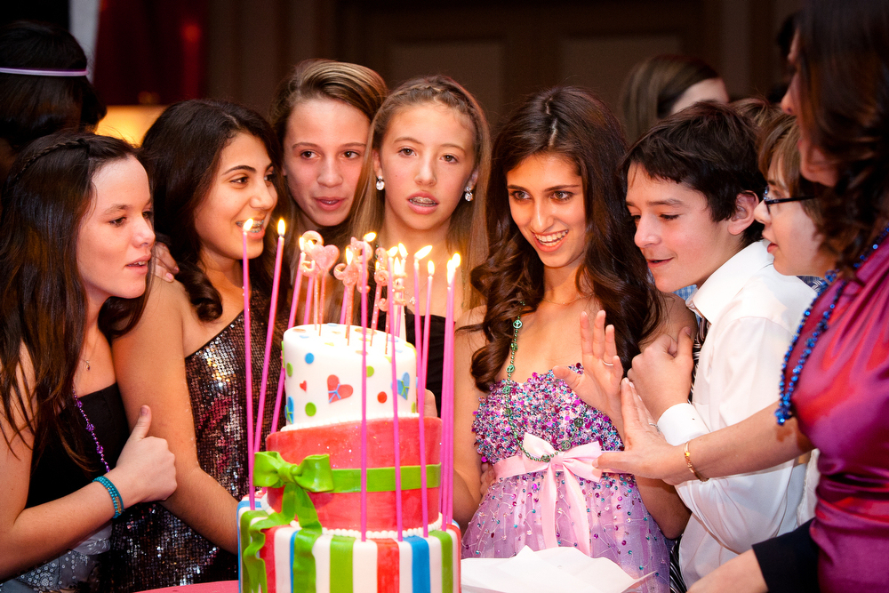 Bat-Mitzvah-Candle-Lighting-Cake