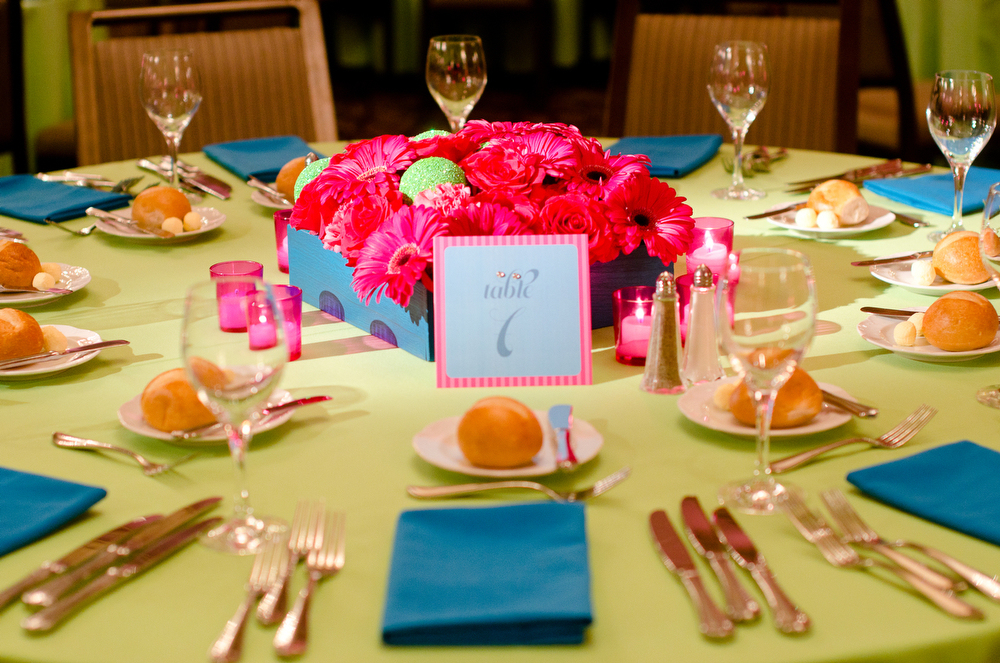 Bat-Mitzvah-Table-Setting-Decor