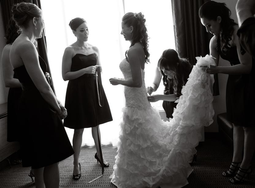 Black-White-Getting-Ready-Bridesmaids