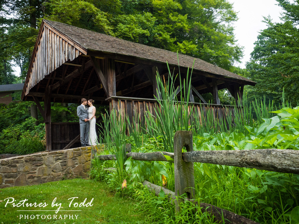 Covered-Bridge-First-Look-Wedding-Photos-Rustic-Details