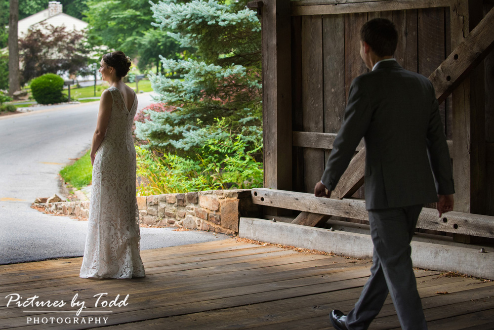 First-Look-Covered-Bridge-Photos-Ideas